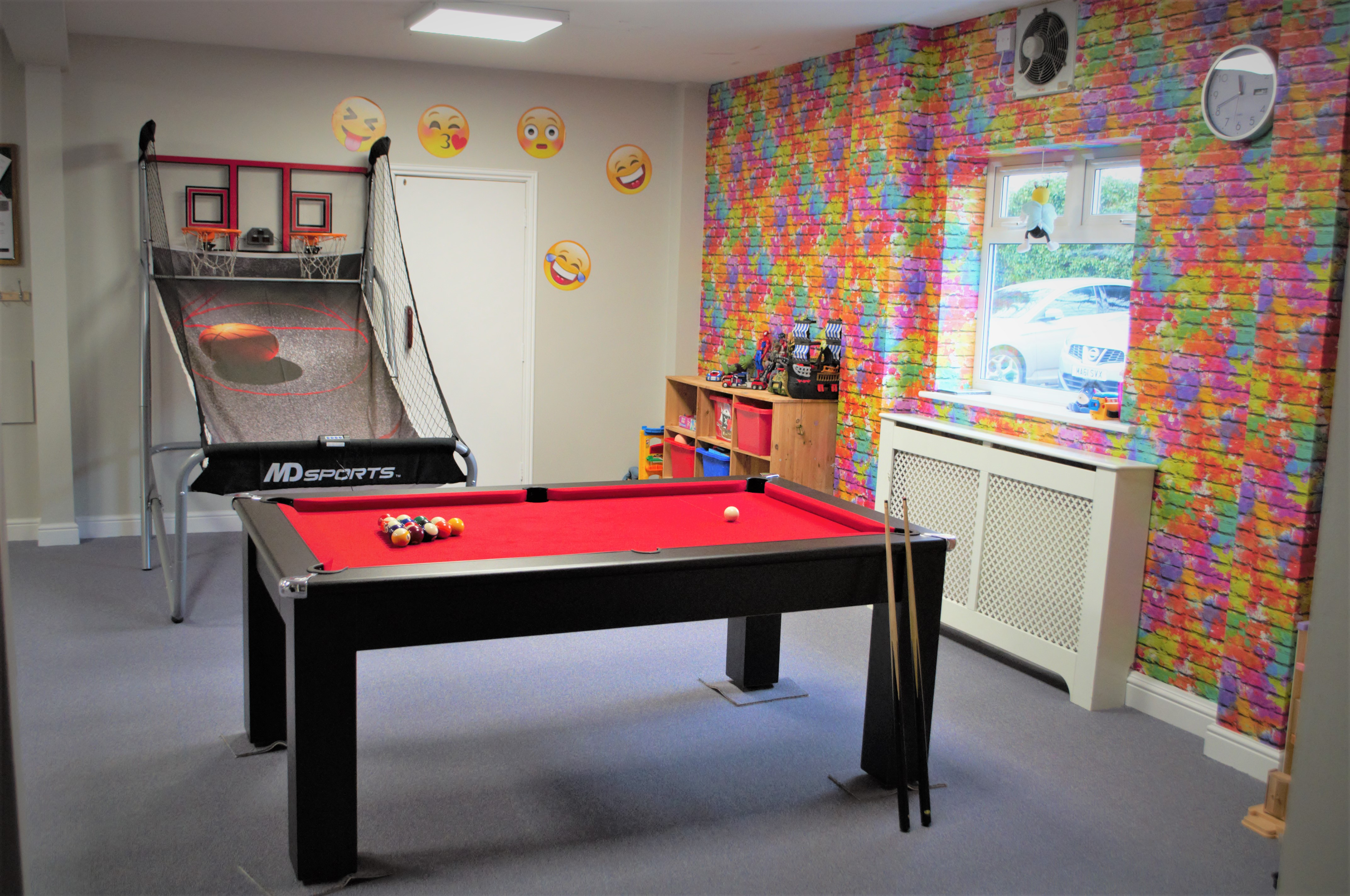 pool-table-and-basketball.jpg